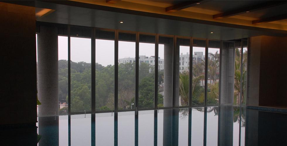 绿洋山庄玻璃幕墙工程