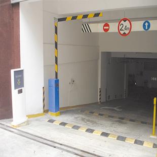 停车场出入口