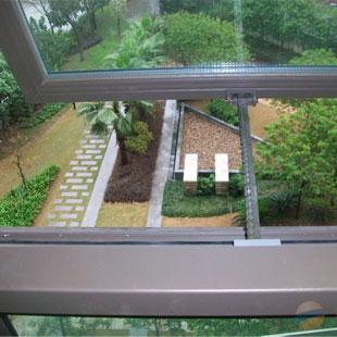 窗户(办公室、会议室、教室等)