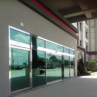 办公楼大门
